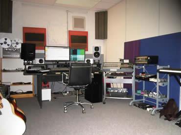 NEAT Acoustics Tonstudio